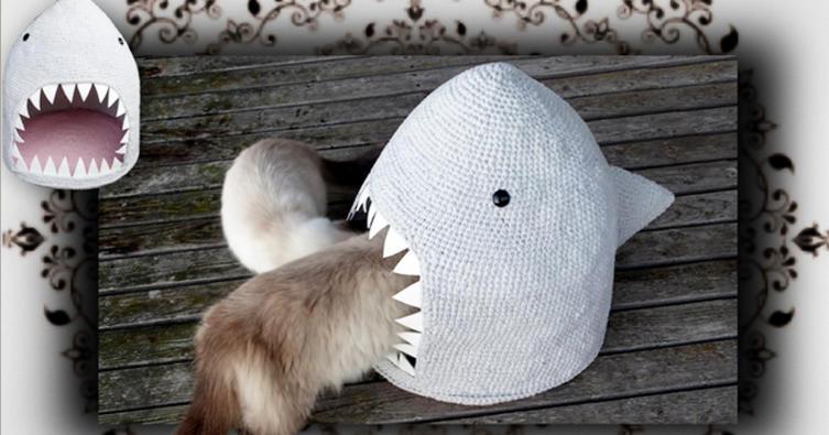 """Hai-Alarm! So schnell häkelt ihr eine """"Hai-Höhle"""" für Katzen"""